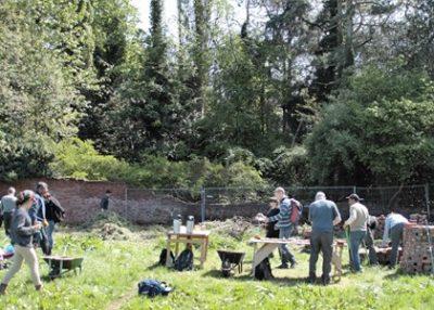 Walled-Garden-Volunteers