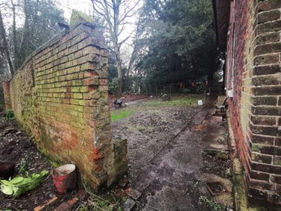 walled-garden-yard-feb-2020