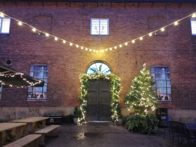 Wollaton-Christmas-Decoration-Outdoors